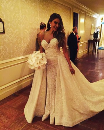 sofia-vergara-marries-joe-manganiello-wedding-dress-ftr
