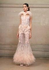 Givenchy, vestido rosa con plumas